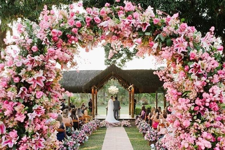 Arcos de flores: uma tendência