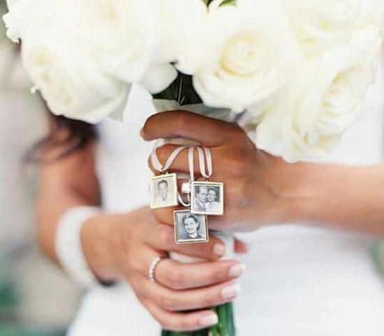 Medalha de homenagem no casamento