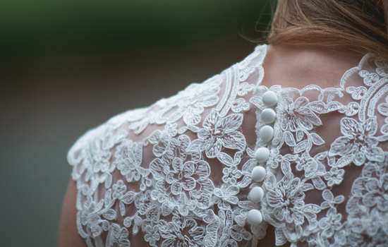 Vestido de noiva: vantagens e desvantagens de comprar online