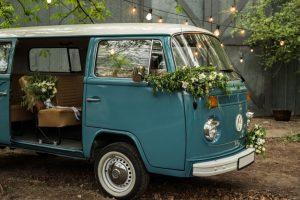 quem deve ir no carro da noiva