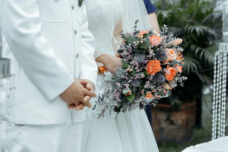 Como informar os convidados que adiamos o casamento?