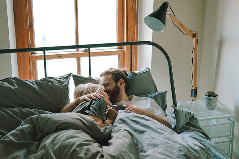 morar juntos antes do casamento vale a pena?